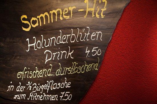 Amden, Schweiz: Glarner Schiefertafel mit aktuellem Angebot