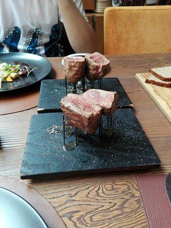 Restaurant 3 Photo