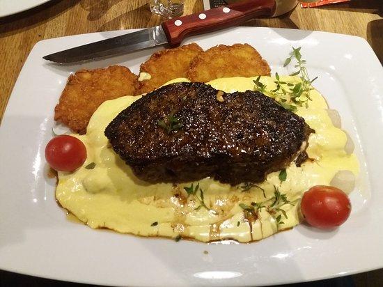 Muhldorf am Inn, Germany: Steak mit Spargel