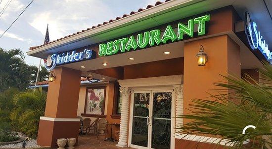 Фотография Skidder's Restaurant