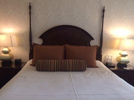 Omni San Francisco Hotel: Queen bed