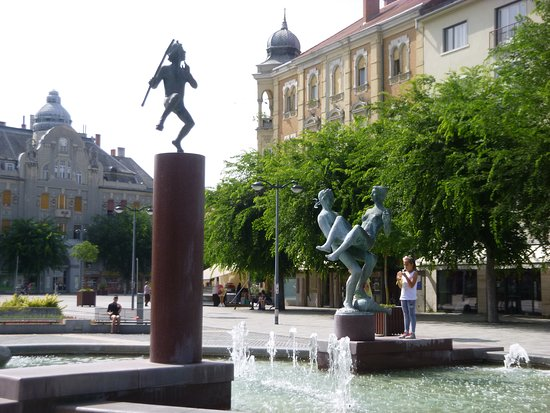Szombathely, Hongaria: Main Square fountain