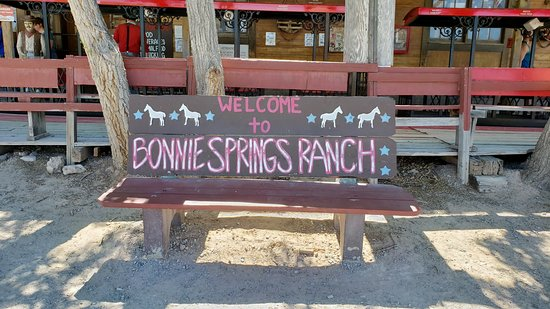 Bonnie Springs Ranch Restaurant: Welcome Area