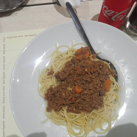 Spaghetti With Minced Meat Picture Of Locos Lunch Cafe Zakynthos Tripadvisor