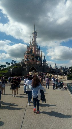 Disneyland Park: P_20180618_164856_large.jpg