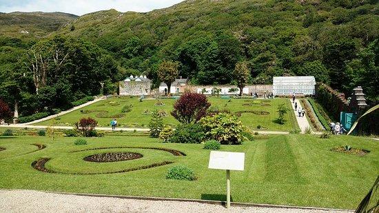 Kylemore, أيرلندا: A small portion of the gardens!