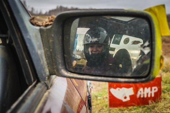Lituania: Happy driver