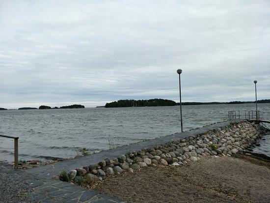 Kallahdenniemi Beach