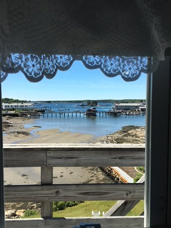 Bayside Inn Bed and Breakfast: View from a bathroom