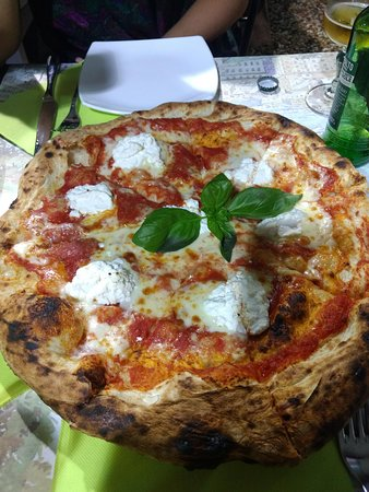 Pizzeria Spacca Napoli: Não lembro que pizza foi, mas que estava boa estava!!