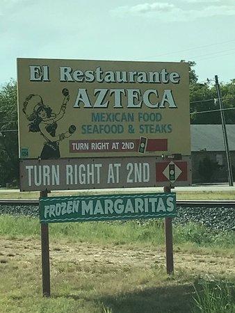 Hondo, TX: Hwy 90 Sign