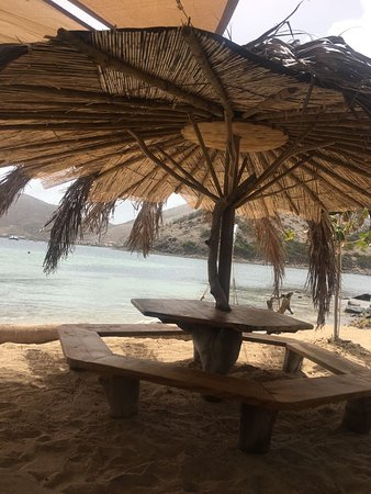 Pinel Island, St Martin / St Maarten: One of two tables on the sand