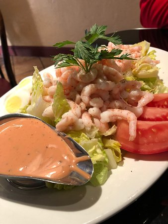 Betty Lou's Seafood and Grill : Shrimp Louie salad