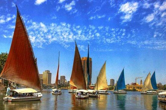 Gizeh Pyramids und River Nile Tour...
