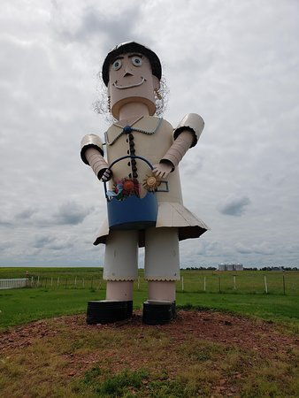 Enchanted Highway: Tin Family Woman