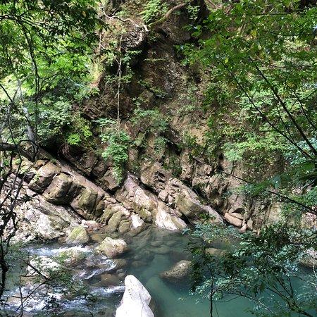 Миядзаки, Япония: 加江田渓谷