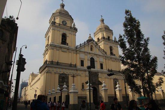 San Pedro Church (Iglesia de San Pedro) Foto