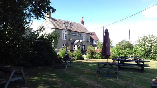 Barton, UK: White horse inn