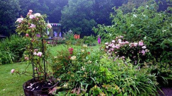 Botallack, UK: beautiful gardens with painter's studio