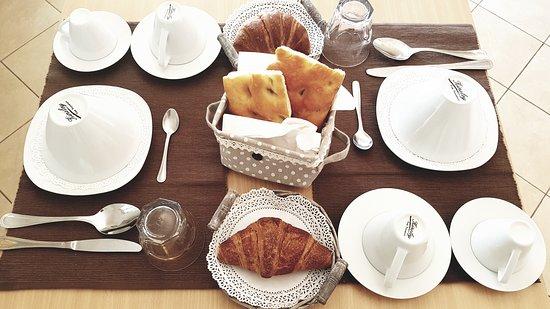 Villanova d'Albenga, Italy: La nostra colazione all'italiana