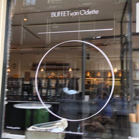 Buffet Van Odette : photo2.jpg