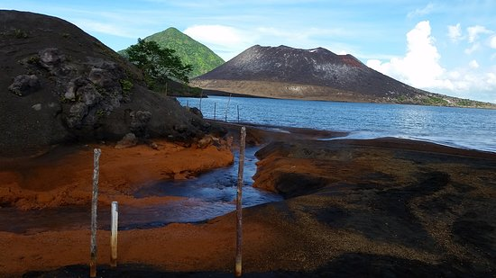 The Hot Springs near Tuvurvur  - Picture of Rabaul - Kokopo Dive
