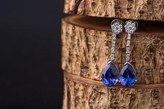 BlueGems Tanzanite