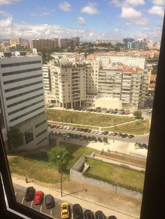 Novotel Lisboa: View of other buildings