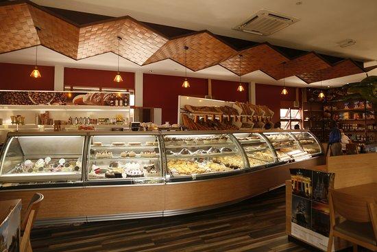 Karveli Restaurant: Display of Yumminess.