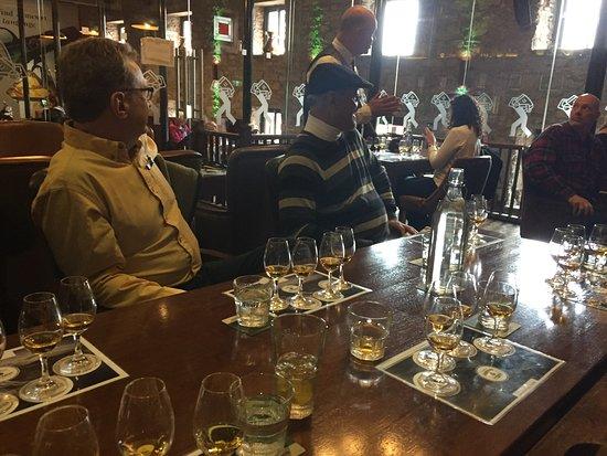 Jameson Distillery Midleton: Lovely gentleman directing the tasting!