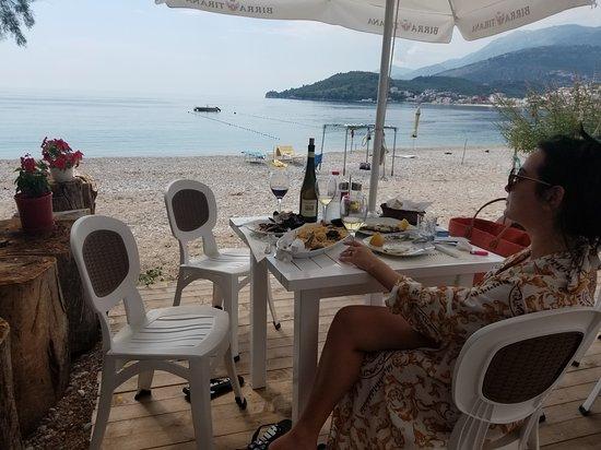 Atlantic Restorant : Atlantic Restorat Himare Albania