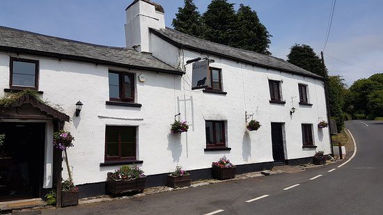 Challacombe, UK: Summer Lunch at the Black Venus Inn
