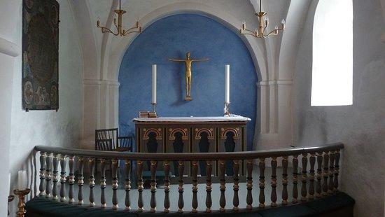 Sdr. Aarslev Kirke: Alter med krucifiks