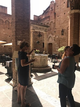 Province of Siena, Italia: Elena Sardelli teaches us about the Music Academy in Siena