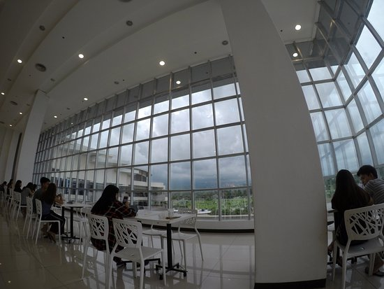 A very good view of the Mt. Apo from the GMall Toril Foodcourt
