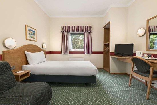 Shardlow, UK: 1 Single 1 Sofa Bed Room