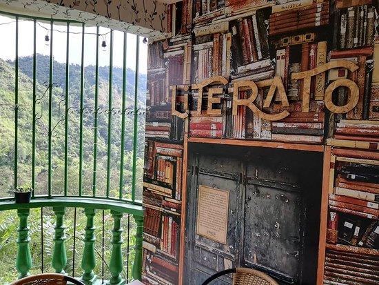 Literato Resto-Lounge: Hermosa vista con coneccion directa con la naturaleza