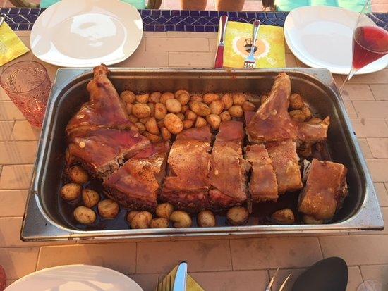 """Muro, Spain: Spanferkel """"to go"""""""