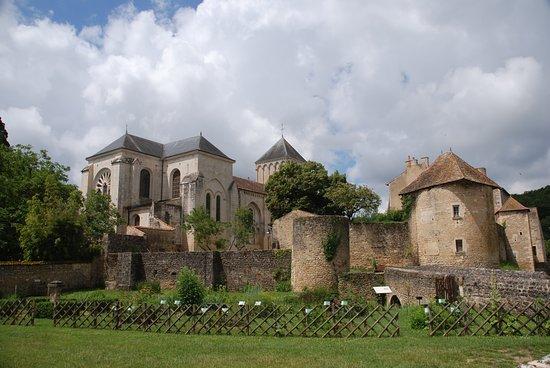 Abbaye de Saint Junien de Nouaillé-Maupertuis