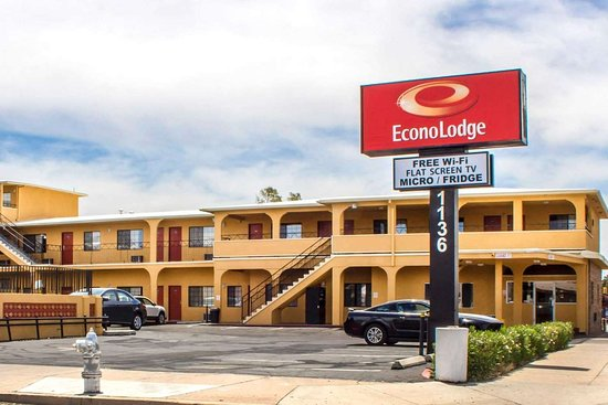 Econo Lodge University Downtown Au 93 A U 1 0 0 2018 Prices