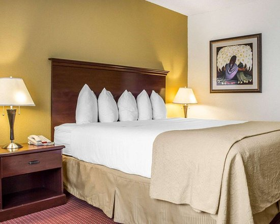 Nogales, AZ: Guest room with one bed