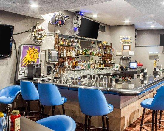 Quality Hotel Americana Nogales: Hotel bar