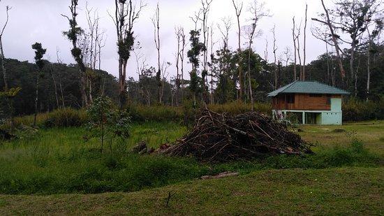 Poso, Indonesia: Gazebo tempat menikmati keindahan danau