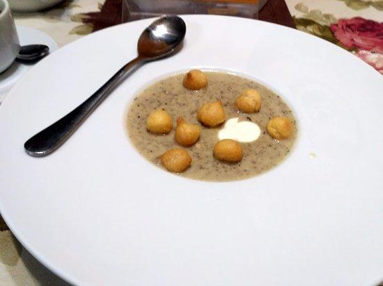 Kolomyia, Ukraina: грибной крем-суп