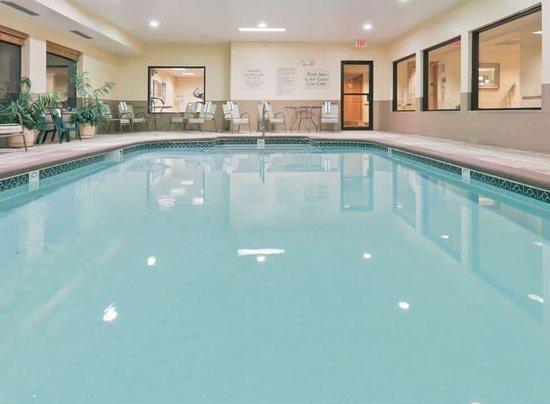 هوليداي إن إكسبريس بورتاج: Pool