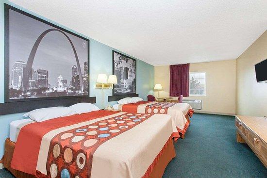 Super 8 by Wyndham Carthage: Guest room