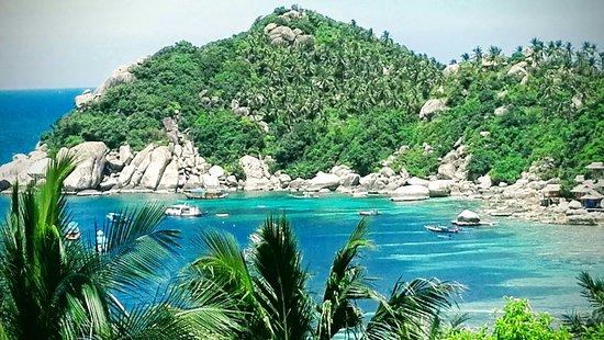 Jamahkiri Resort & Spa: The snorkelling hot spot, view from library