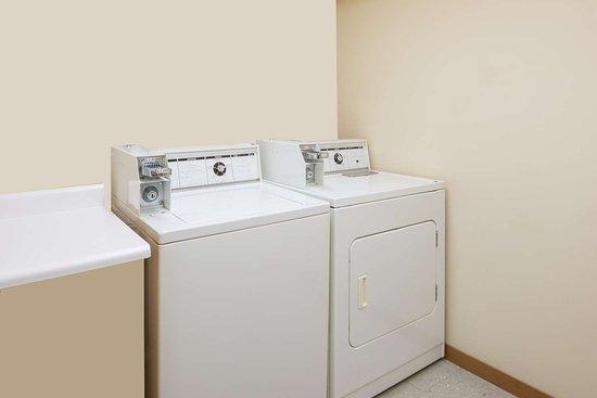 Staunton, IL: Guest Laundry