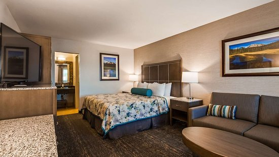 Best Western Plus Hilltop Inn: Guest Room