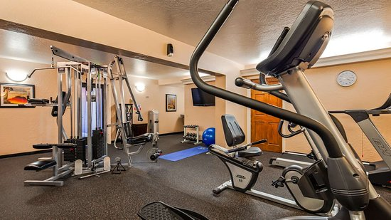 Best Western Plus Hilltop Inn: Fitness Center